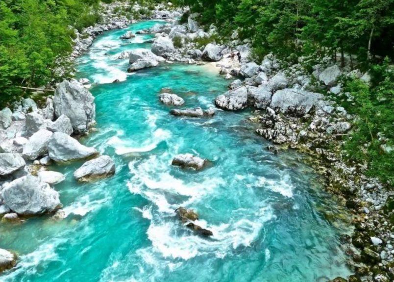 Изумрудная река Соча в Слдовении