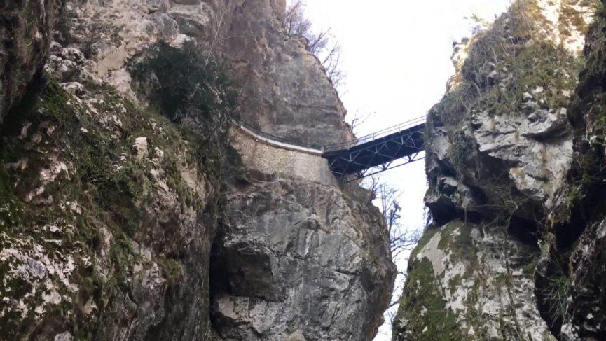 Ущелье в Словении Толминская раковина недалеко от Толмина