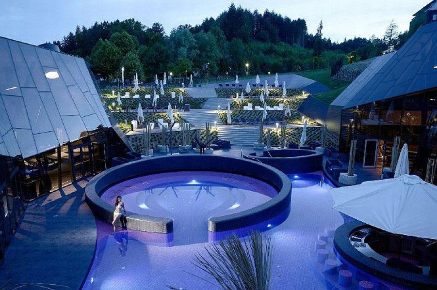 Штаерский регион (города Марибор, Целье и Птуй, большинство термальных курортов)