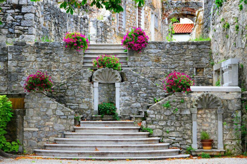 Лестница замка в крепости Штаньел