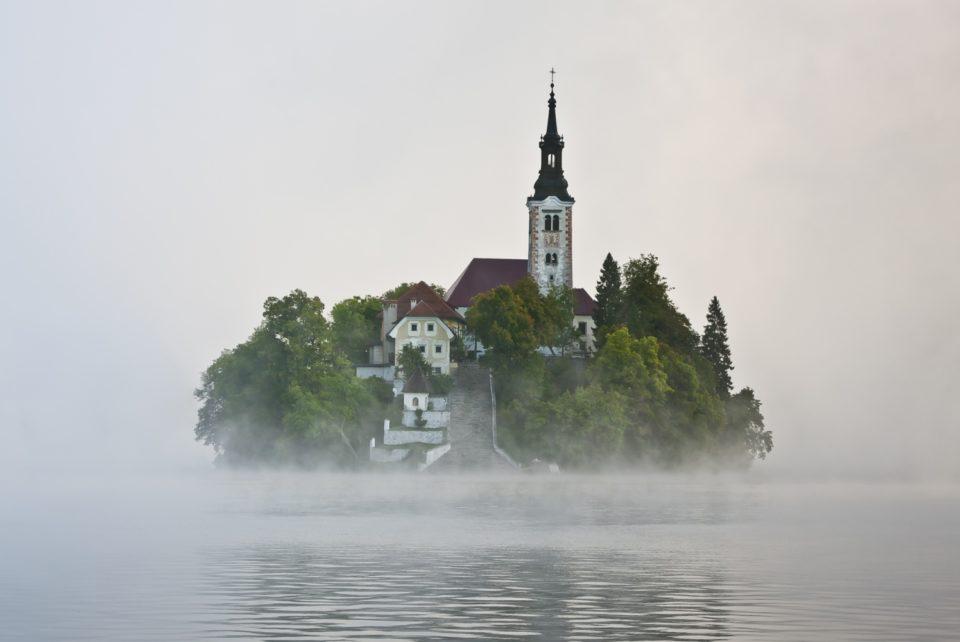 Туман на Бледе