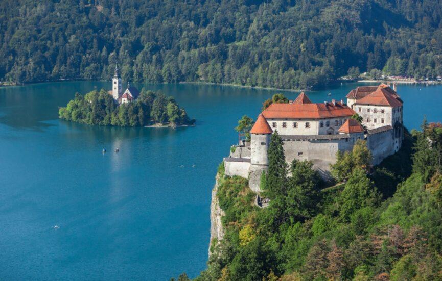 Блейский замок в Словении