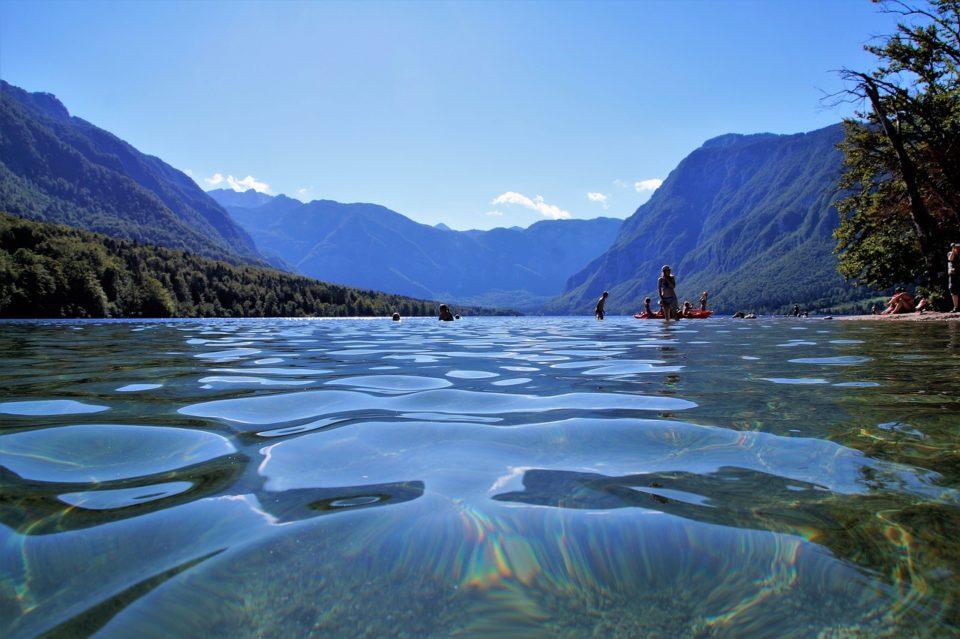 Вода озера Бохинь