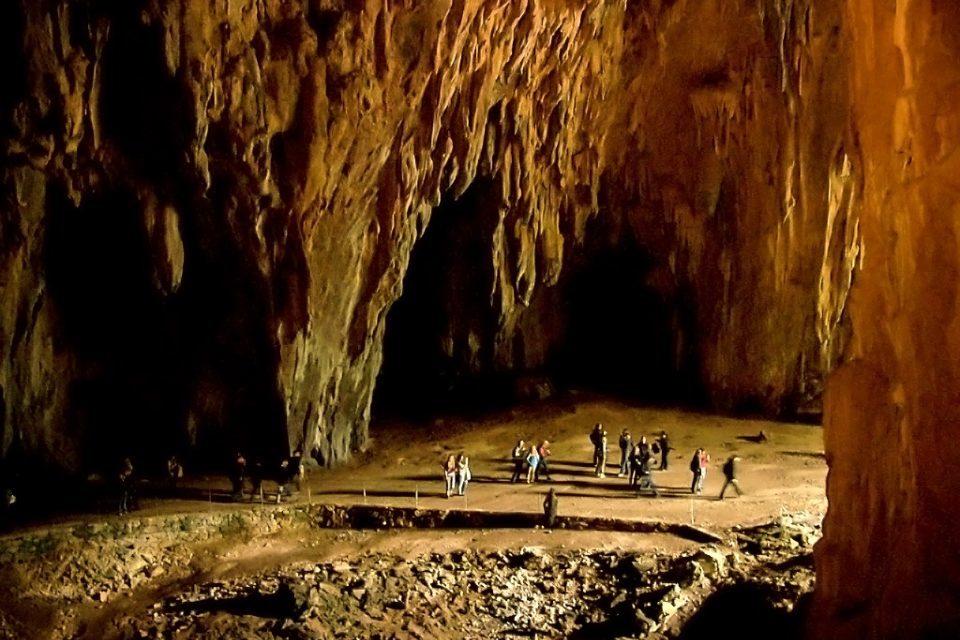 Шкоцианские пещеры