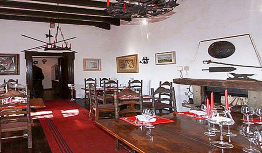 Ресторан в замке Соцерб