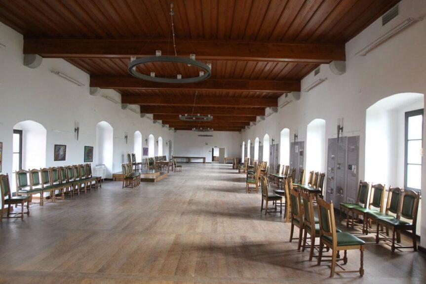 Замок Турьяк, рыцарский зал