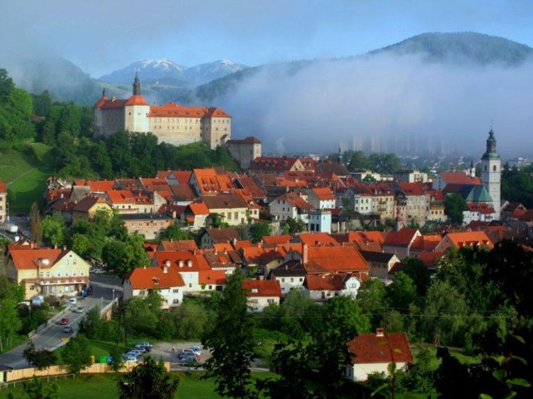 Словения, Шкофья Лока