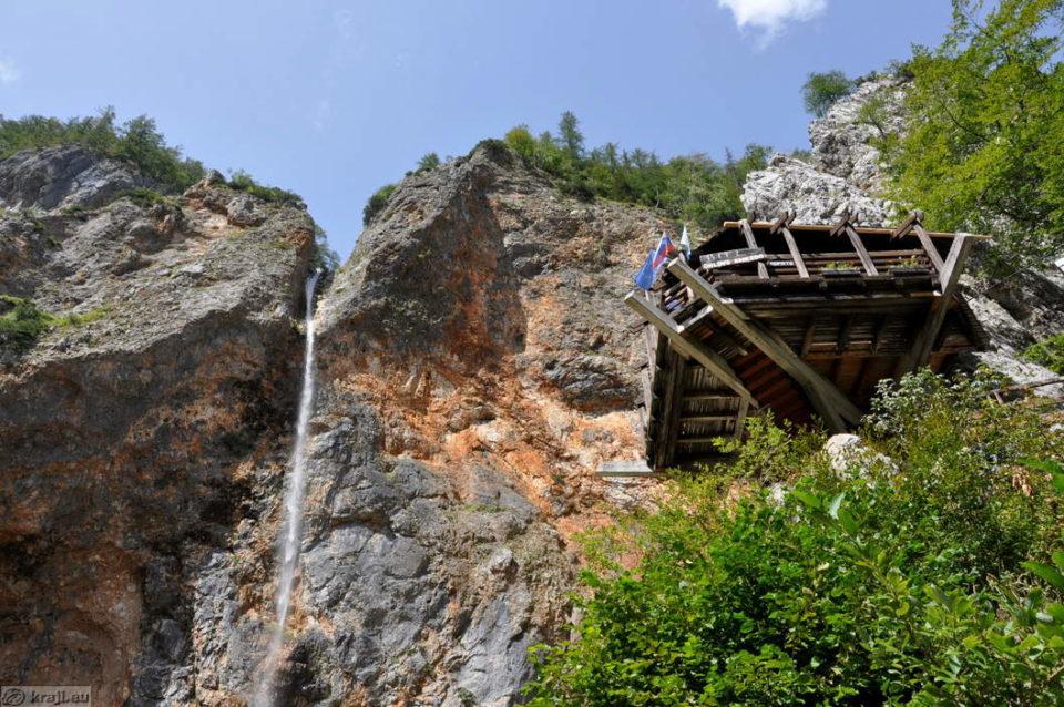 Водопад Ринка