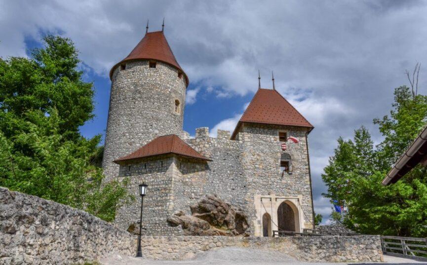 Словения, замок Жовнек