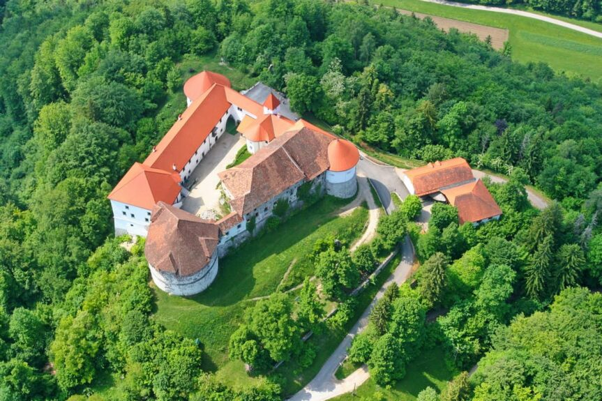 Замок Турьяк-Ауэршперг