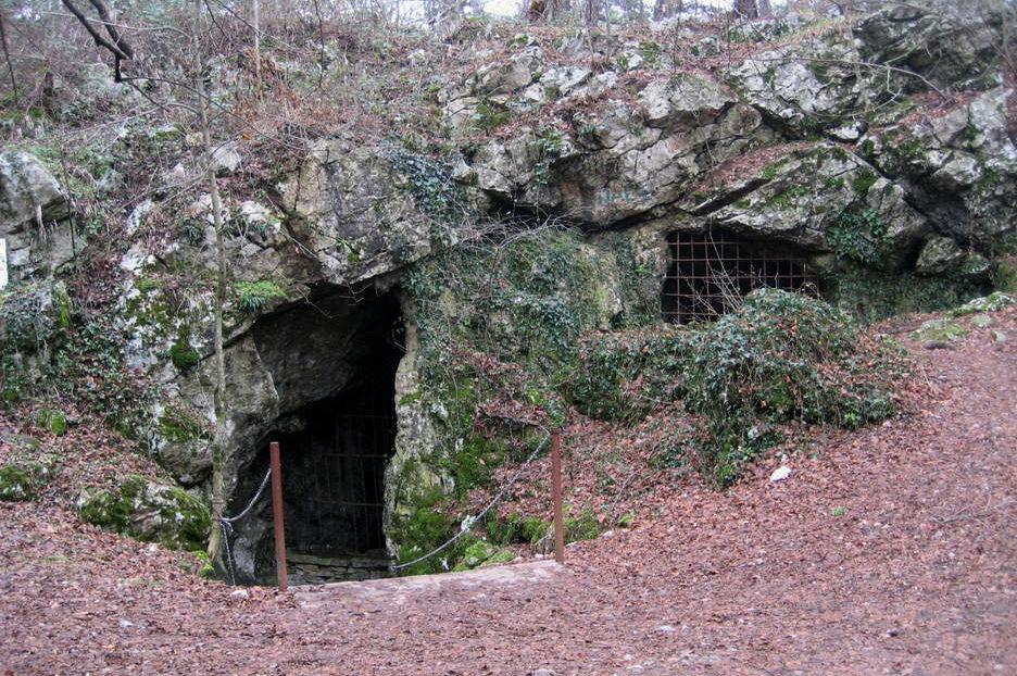 Святая пещера