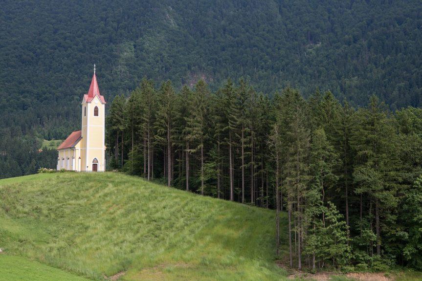 Церкви Словении