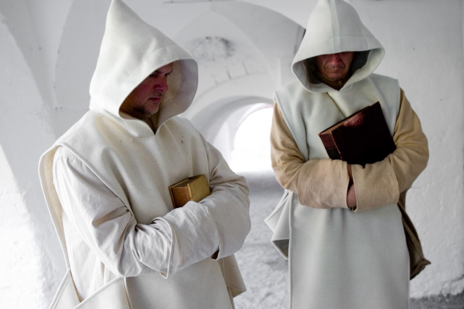 Монахи-картезианцы