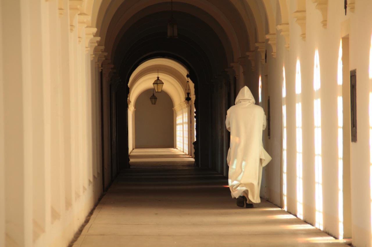 И монахи ушли