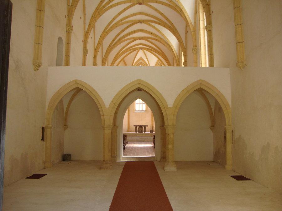 Старая готическая церковь