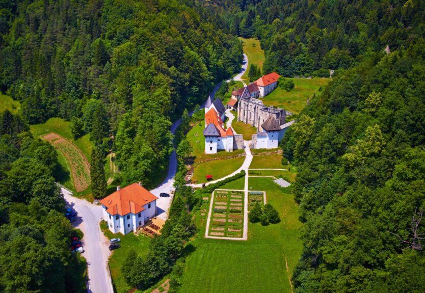 картезианский монастырь Жичка Картузия