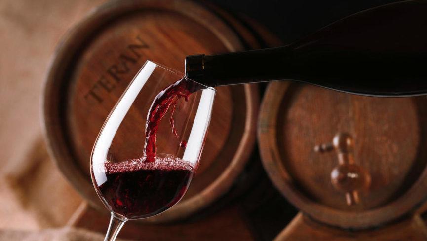 Словенское вино Теran содержит много железа