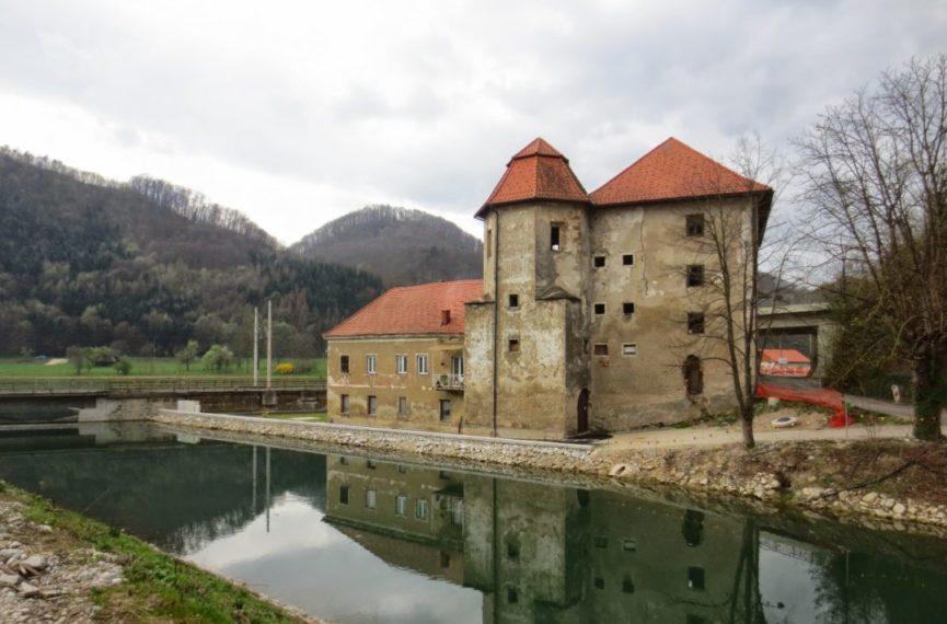 Замок Турн в Брестанице