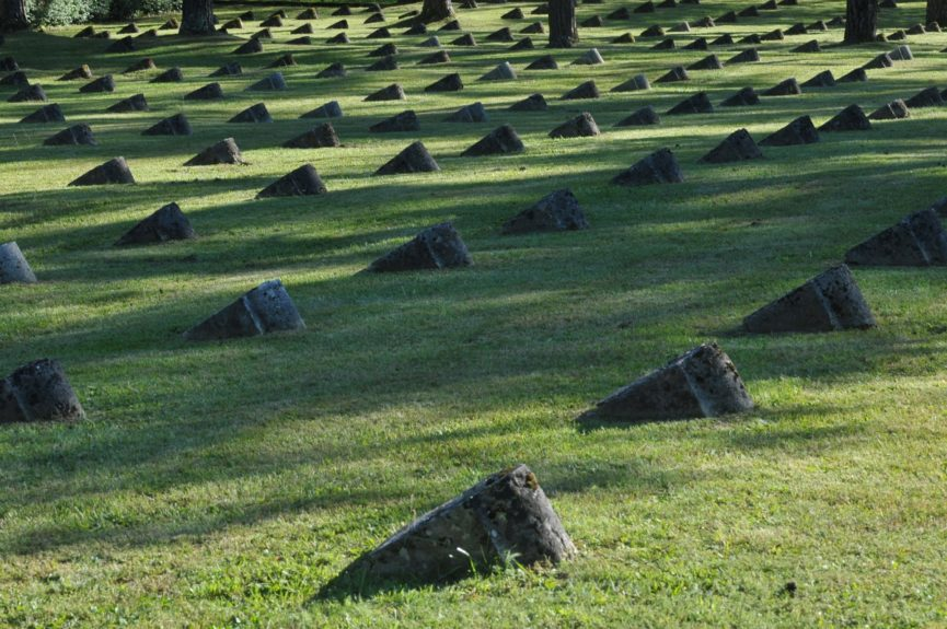 Воинское кладбище времен Первой мировой войны в Лоче