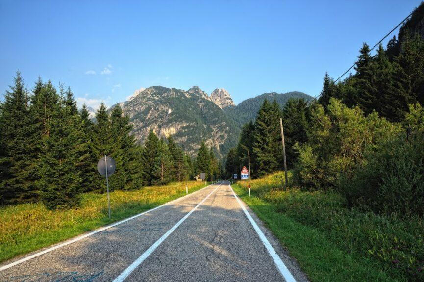 Дорога через перевал Предел