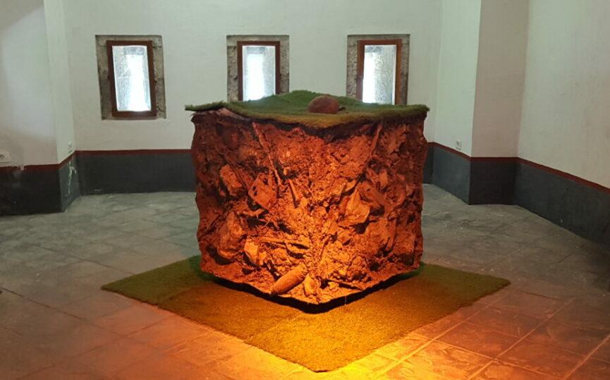 Куб земли из Бовской долиины в музее Клуже