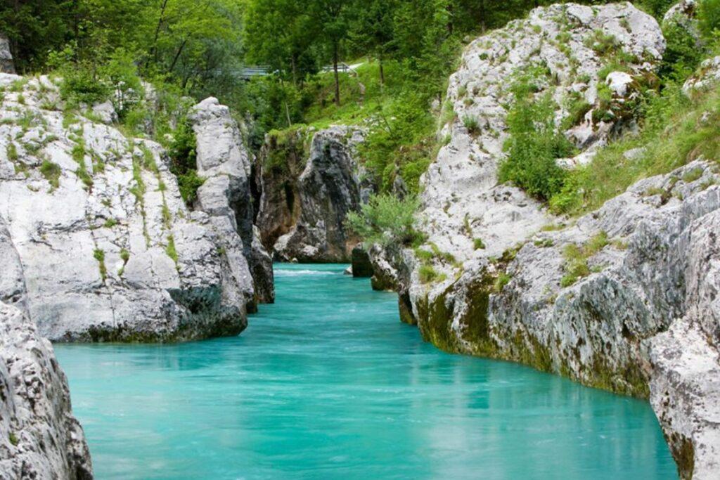 Горишкий регион (долина реки Соча, города Нова Горица, Кобарид, Идрия и Бовец, водопады, Альпийские перевалы)