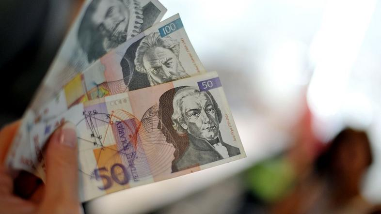 Словенская валюта толар
