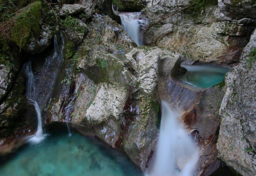 Водопады на реке Соча