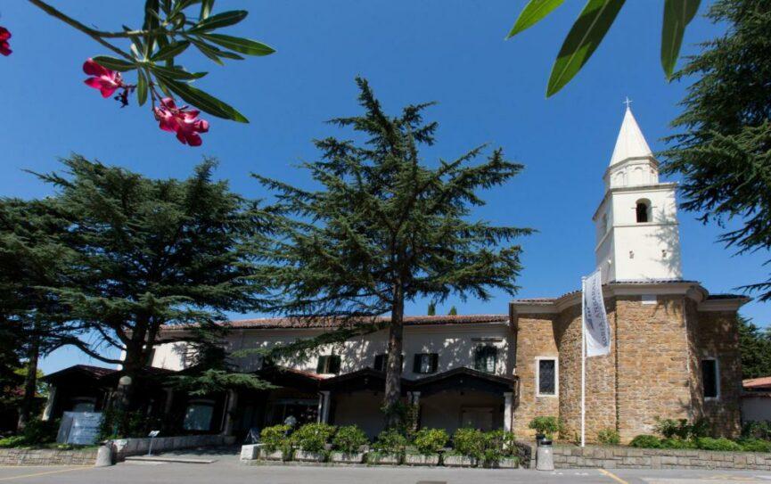 Колокольня монастыря в Анкаране