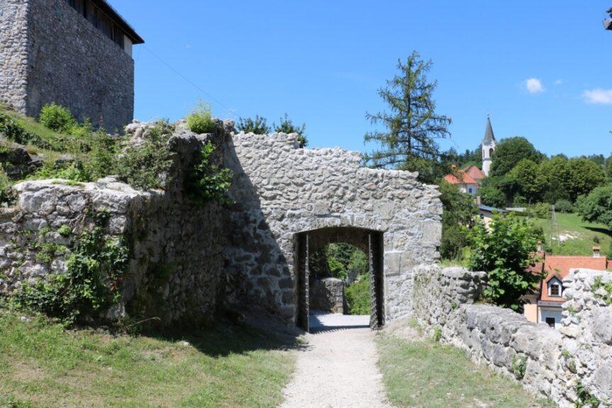 Камник, ворота Малого замка