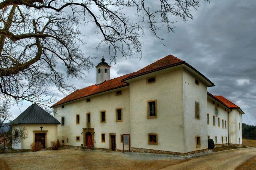 Словения, замок Туштань