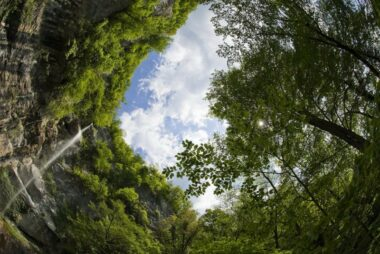 Водопад Сопота и природа