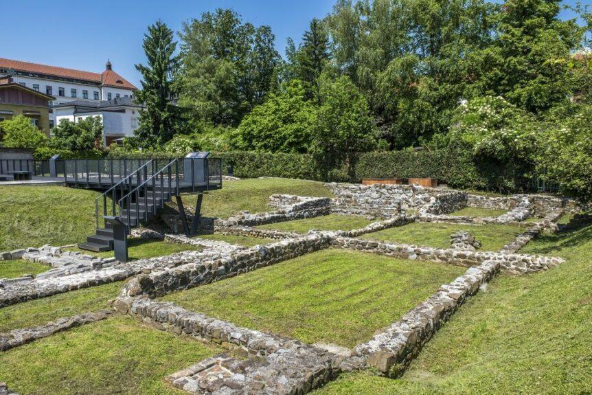 Остатки древнеримского города Эмона в центре современной Любляны