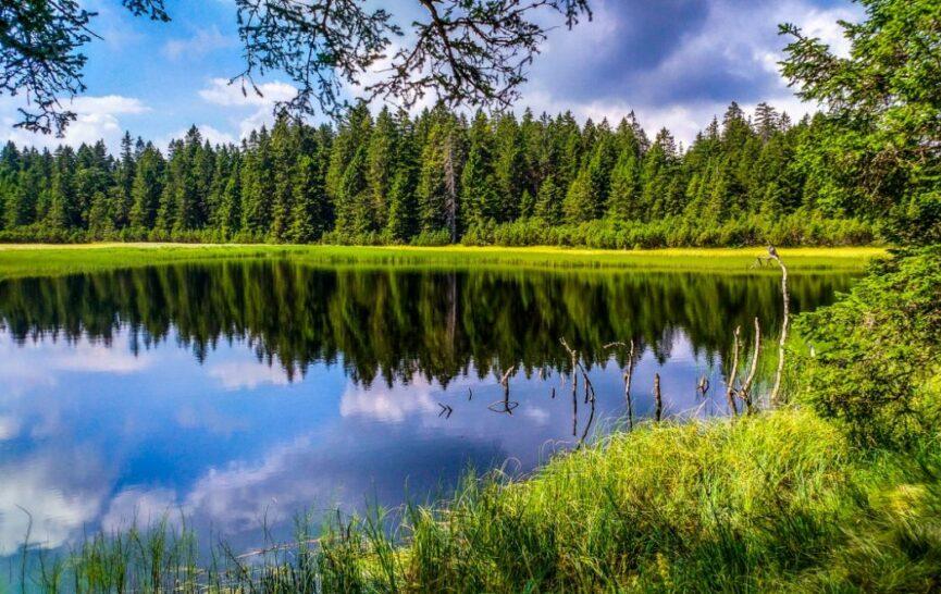 Черное озеро на Рогле