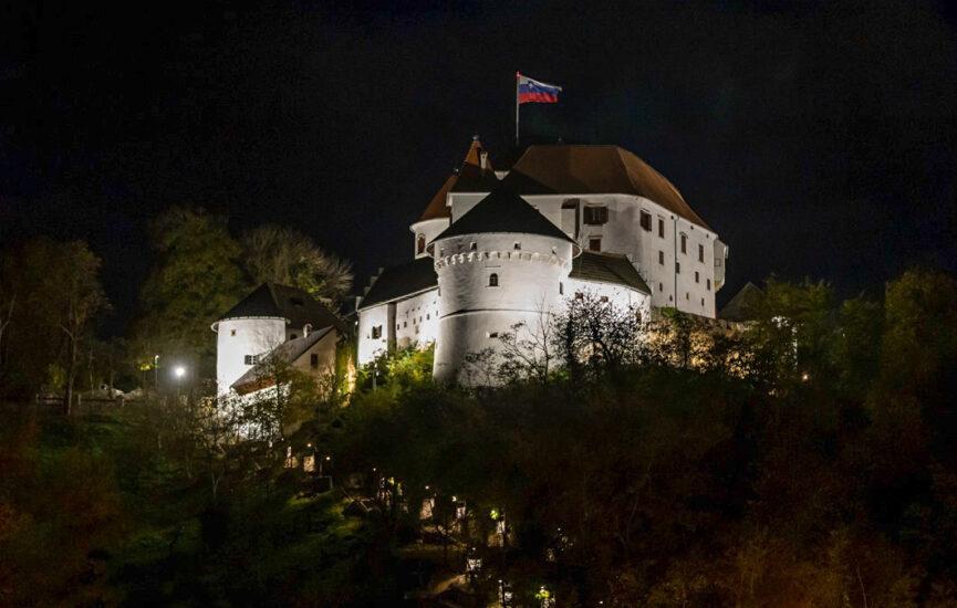 Замок в Веленье