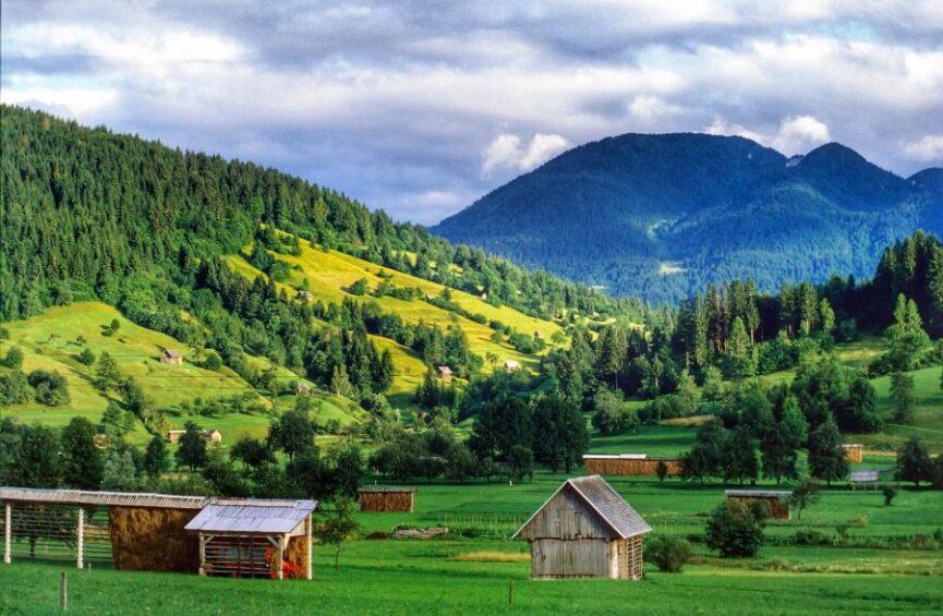 Словения, Езерско