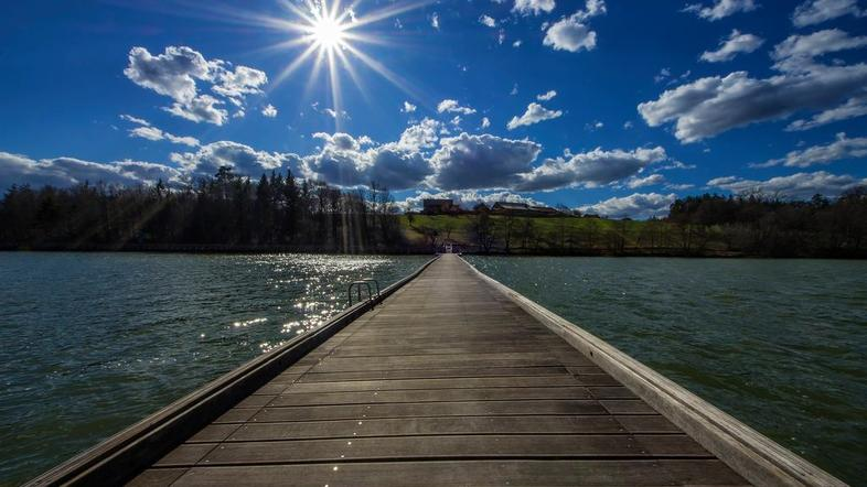 Пантонный мост через Шмартинско озеро