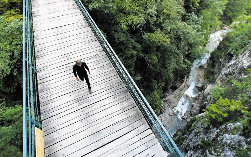 Чертов мост в ущелье Толминска корита