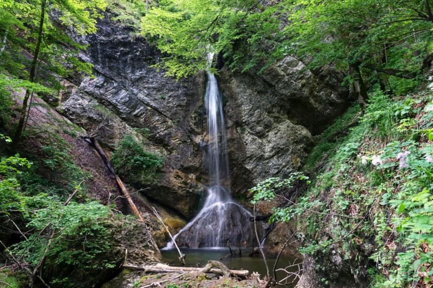 Водопады ущелья Пекел