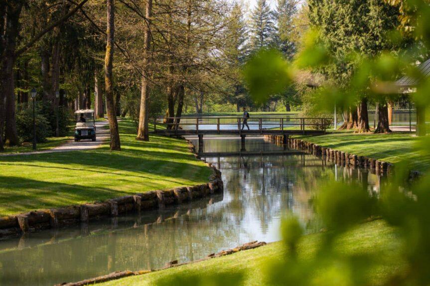 Парк Брдо гольф поле