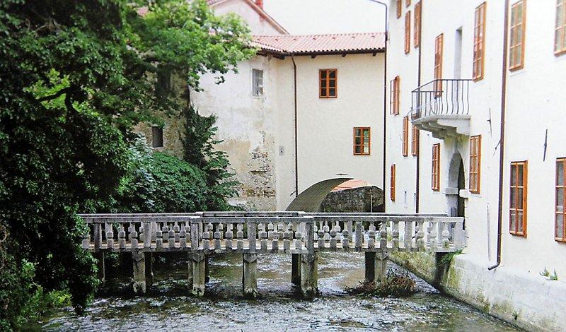 Дворец Лантьери, мост во внутренний двор