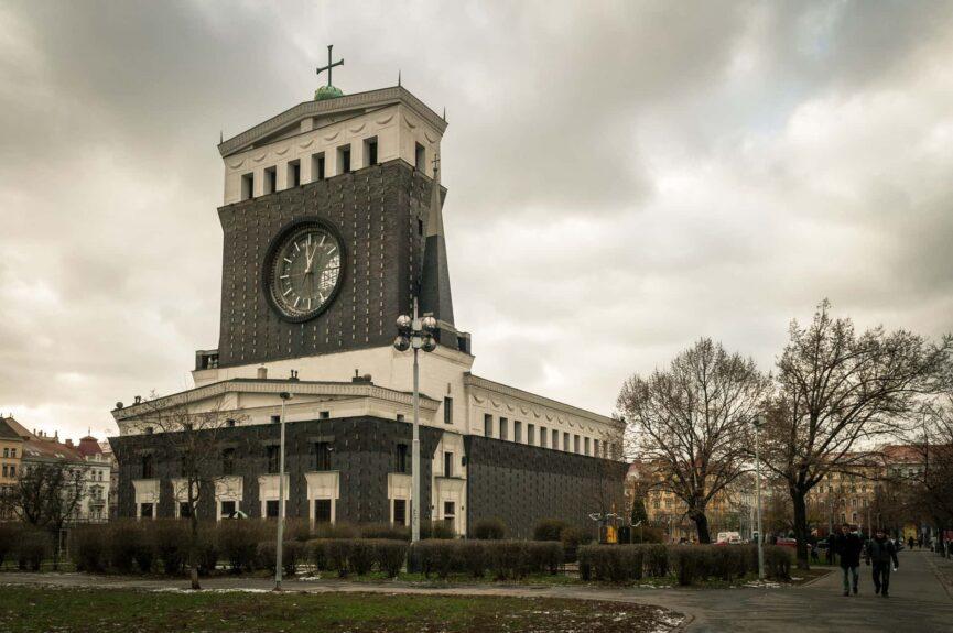 Церковь Сердца Господня в Виноградах, Прага, архитектор Й. Плечник