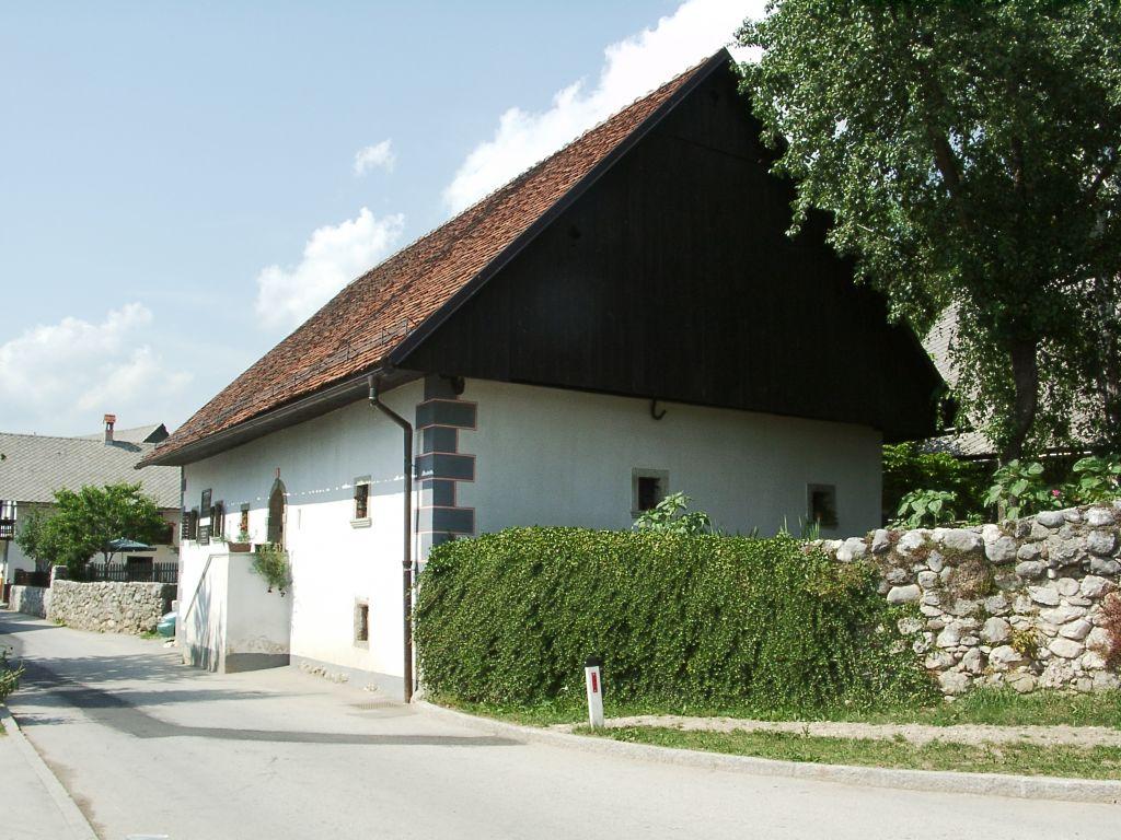 Дом Франце Прешерна