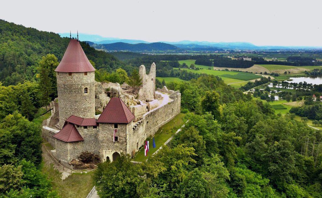 Замок Жовнек